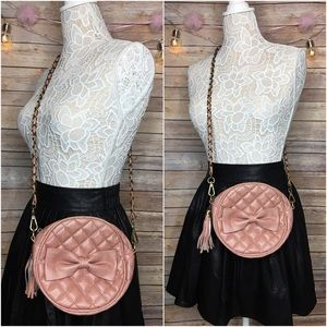 Nila Anthony Pale Pink Bow Quilted Crossbody Bag